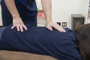 腰の痛み 施術